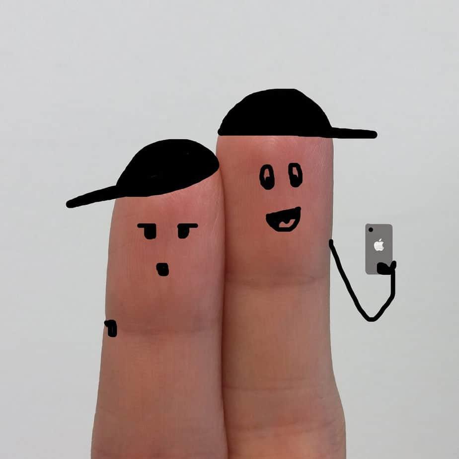 selfie fingers